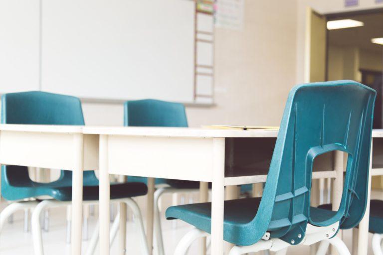 school-desks-chairs
